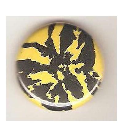 Badge jaune linogravure papillon