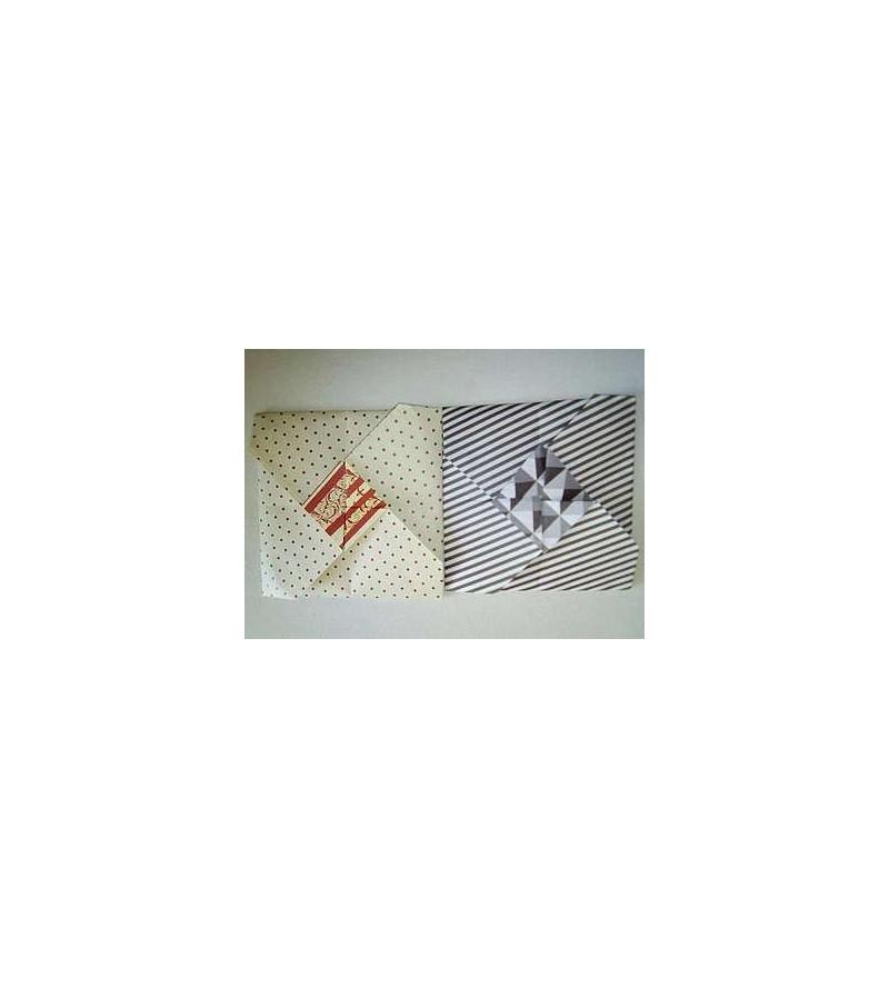 Lot de deux petites cartes + enveloppes en origami (blanc à pois & rayée noir et blanc)