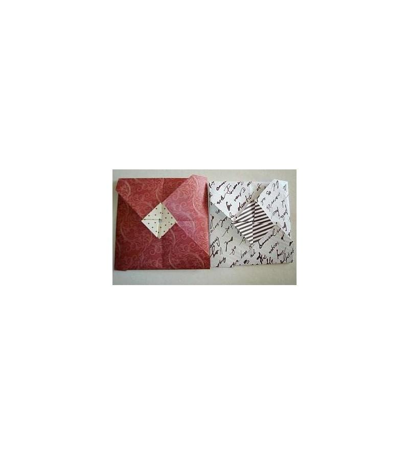 Lot de deux petites cartes + enveloppes en origami (blanche motif écritures & arabesques rouges)