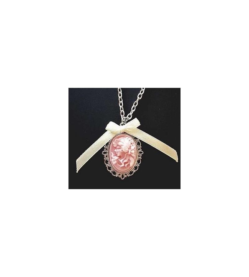 Collier camée rose