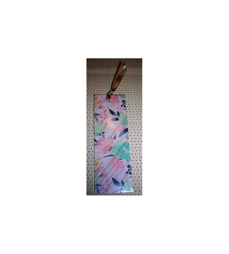 Marque-page avec ruban, motif fleurs sur fond rose