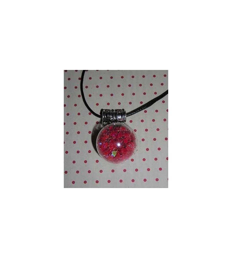 Collier Globe étoiles rouges