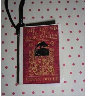 Collier livre the hound of the Baskervilles