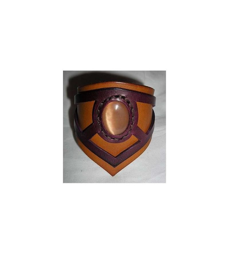 Bracelet elfique en cuir marron clair et violet avec pierre