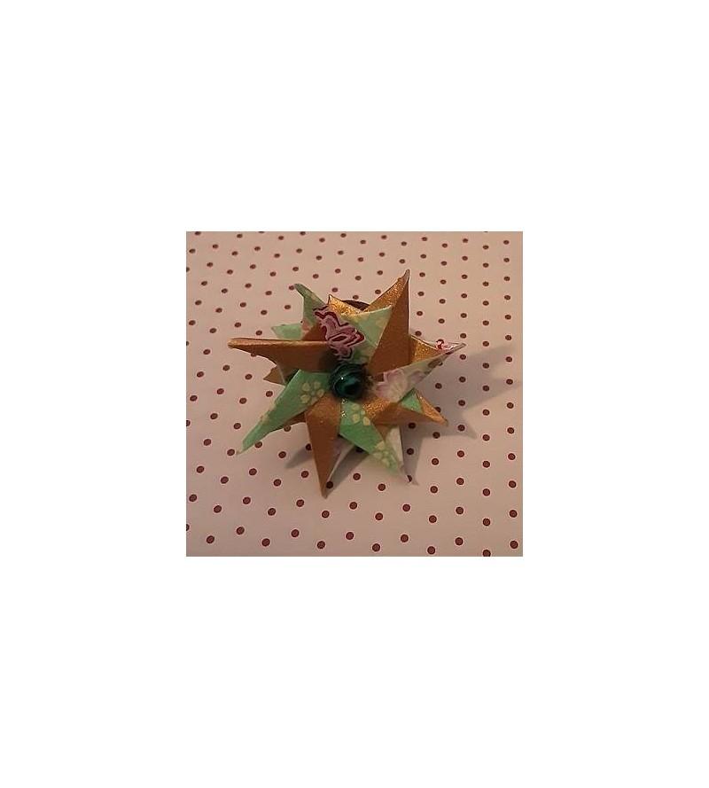 Bague en origami Fleur verte et dorée