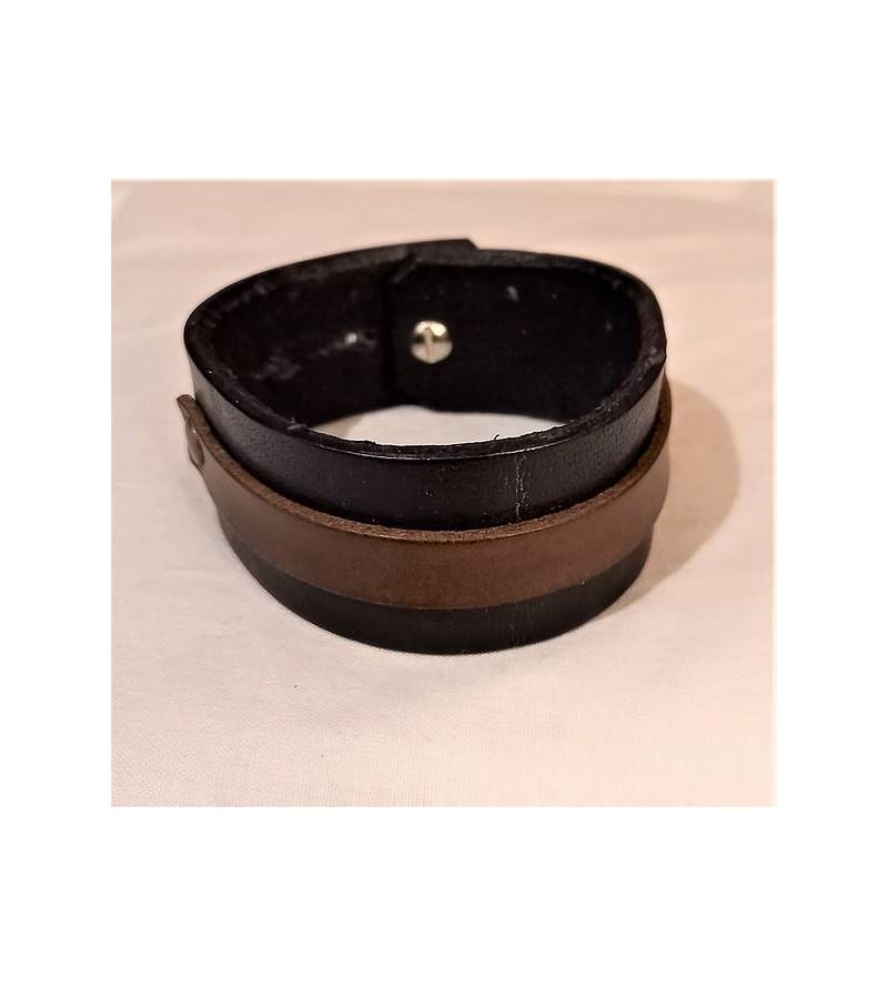 Bracelet en cuir noir avec...