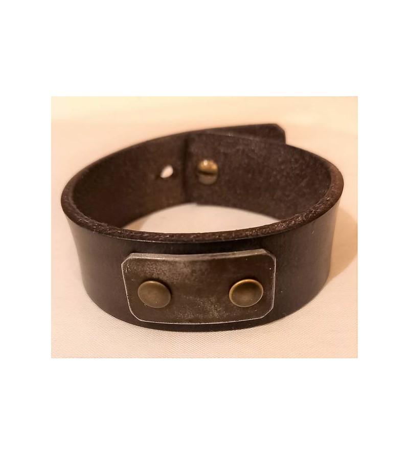 Bracelet en cuir brun foncé...